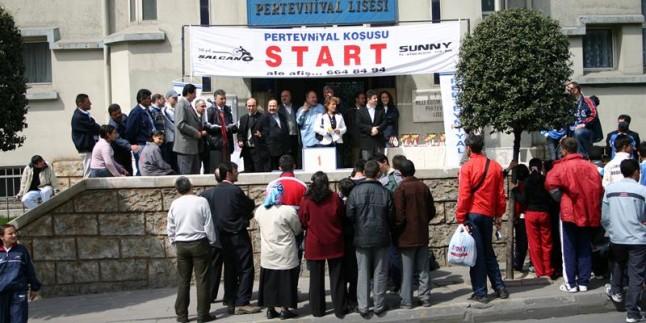 2004 Yılı Geleneksel Pertevniyal Koşusu