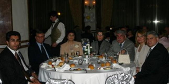 2005 Vakfı Yemek